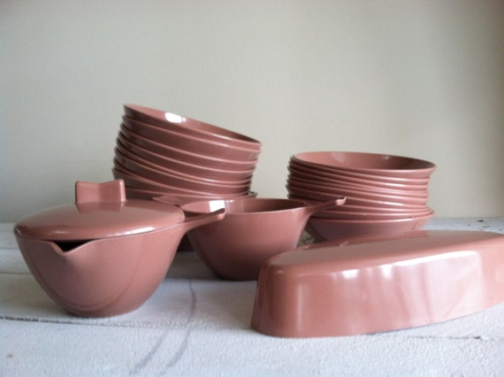 reserved for brenda Mar-crest melmac lot of 24 mauve bowls cream and sugar included