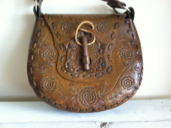 Vintage Brown leather floral pattern hand tooled purse with a unique wooden latch by MellaFina