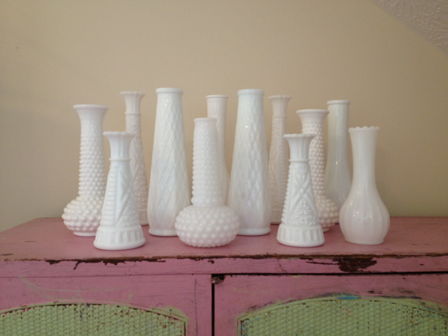 Chatham Bath Accessories. SALE Vintage White Milk Glass Vases / Instant  Collection / Vintage Milk Glass / White Bud