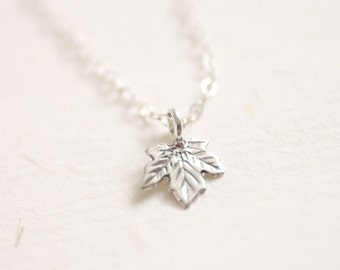 Autumn Love - Tiny sterling silver maple leaf necklace - simple dainty jewelry
