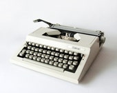 White Challenger Typewriter -  manual retro Typewriter - retro home decor, white decor, vintage decor, vintage typewriter, minimal decor