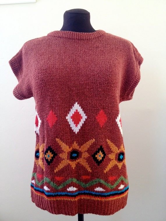 VINTAGE Women's Paprika SOUTHWESTERN Print Short-Sleeved Sweater
