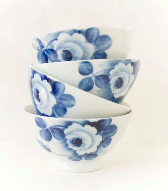 Vintage Blue and White Porcelain Chawan Rice Bowls Rose Motif Set of Two