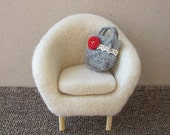 Needle felted chair for Momoko, Barbie, Pullip, Blythe