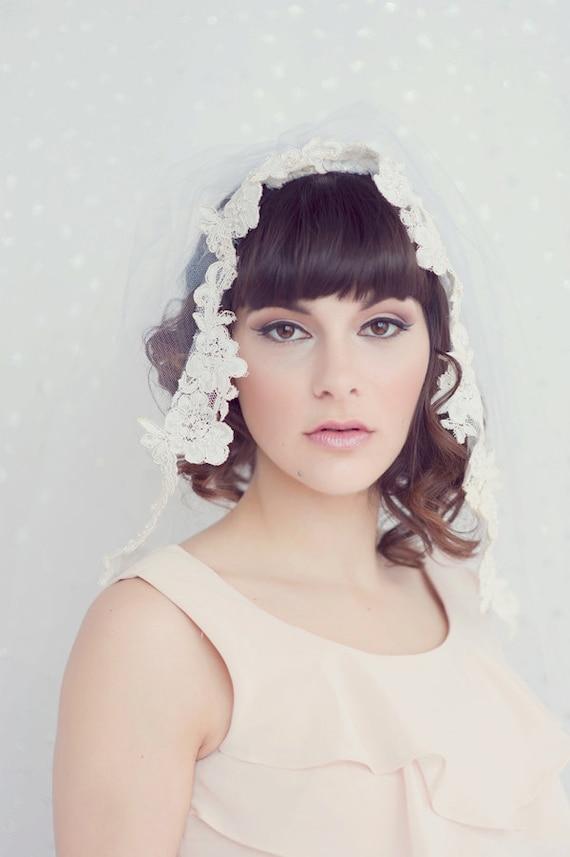 Grace - Shoulder length bridal tulle veil trimmed with vintage alencon lace