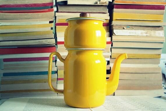 Vintage Sunshine Yellow Enamel Coffee/Tea Pot
