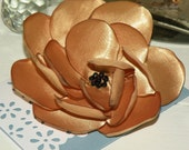 Complete your look with this fab flower brooch. A beautiful accessory for any occasion. Dress for parties, weddings or everyday use to look