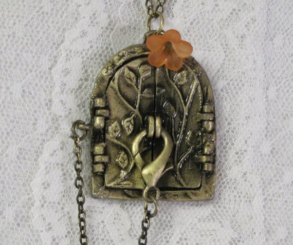 Steampunk Fairy Door Locket - Steampunk Fairy Door Necklace - Jewelry by ThatsSoCoolStudio