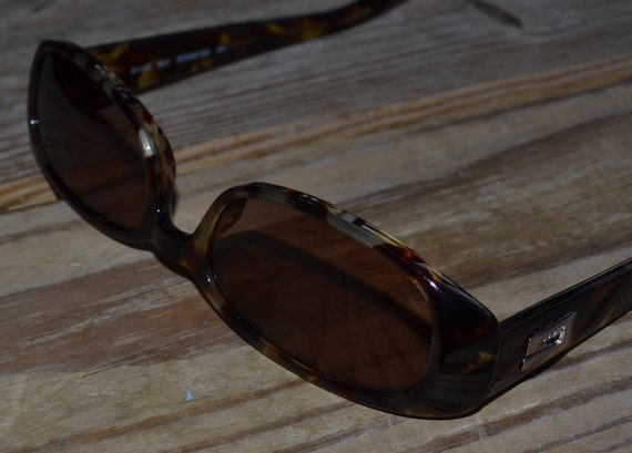 Excellent Gucci vintage sunglasses with case