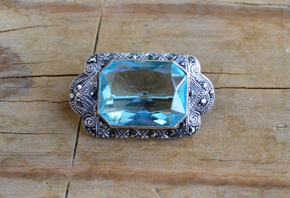 Beautiful 20s antique art deco sterling Germany hallmarked marcasite and aquamarine brooch / pin