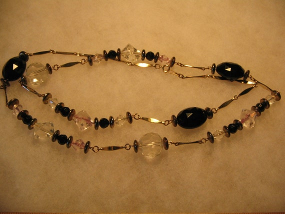 Vintage Costume Jewelry Necklace item 392a