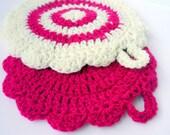 Retro style soft yarn handmade crochet pot holders (set of 2)