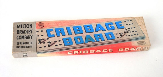 Cribbage Board - Milton Bradley - 1950's Vintage - 4626A