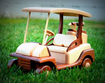 Golf cart made of wood