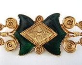 Vintage Pin Green Acrylic Goldtone Design Vintage Brooch