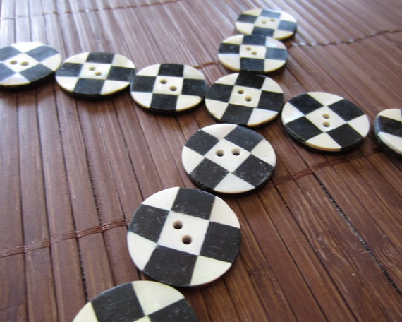 6 Handmade Black and White Mother of Pearl  round Button, B164