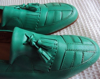 New Old Stock - Green leather  NEVER WORN vintage loafers with tassels