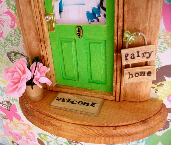 Fairy Door - Green Sparkle Door - Art Deco Foyer