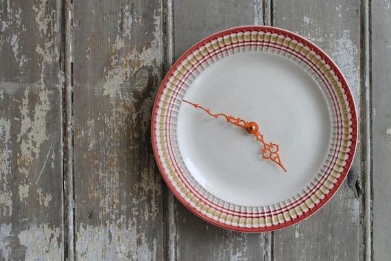 Plate Clock - Red Rim