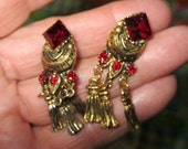 Dangle Style Vintage earrings, Antiqued. Ruby stones Gold metal Clip style