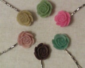 Set of 6 metal bobby pins with vintage style roses