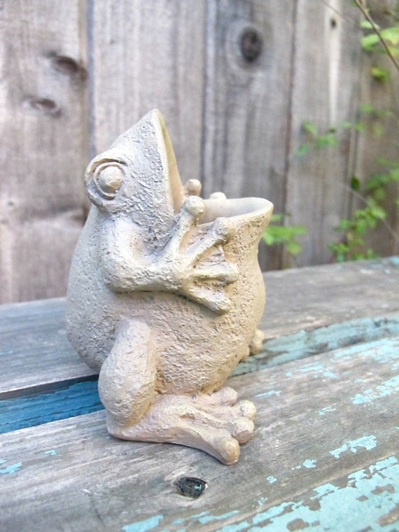 Vintage Frog Figurine Wide Mouth Collectible Frog