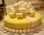 Bow cake topper fondant / gumpaste