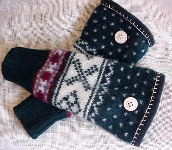 Wool Arm Warmers Hunter Green Scandinavian Design Fair Isle Felted Wool Wrist Warmers Cuffs itsyourcountryspirit