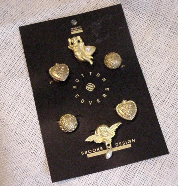 Vintage Button Covers, Fashion Metal Button Covers, Angels Hearts Round Antique Gold Toned, lot of 6 itsyourcountryspirit