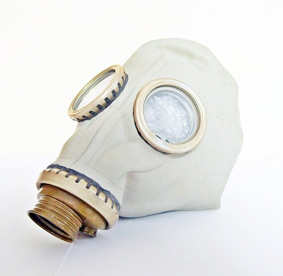 Civilian Gas Mask GP5 NEVER USED from Russia Soviet Union 1974 scary mask in khaki green bag purse