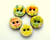 Five wood buttons in yellow and green colors 3005