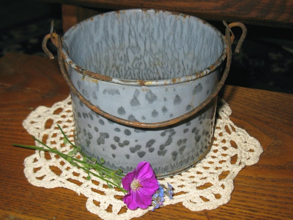 antique graniteware / tiny berry pail / FREE shipping