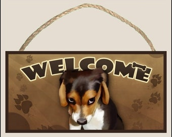 """The Guilty Beagle ( portrait ) 10"""" x 5"""" Wooden Welcome Sign"""