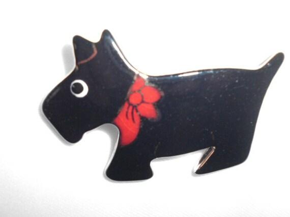 SCOTT Y  DOG PIN Brooch Porcelain