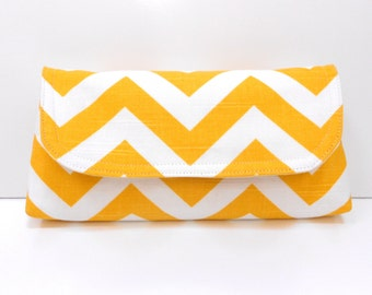 Clutch Yellow and white
