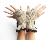 Romantic beige fingerless gloves, mittens