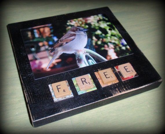 "Hanging Magnetic Photo Frame, Photo Block, Photo Holder (4 x 6) - Scrabble ""Free"""