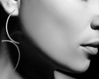 ON SALE, Free shipping, silver earrings, arc earrings, long earrings, jewelry, hammered earrings