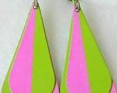 Mod Vintage Hot Pink & Lime Green Enamel Dangle Clip On Earrings Dangling Groovy Mod Psychedelic Flower Power Funky Retro