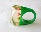 Vintage Lucite  Ring Green Base and Flowers in Clear Top 1960s