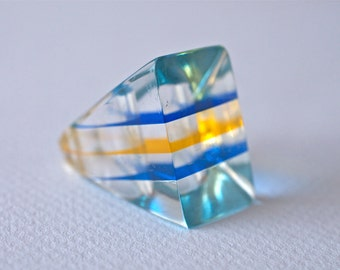 Vintage Plastic Lucite Ring with Blue and Yellow Stripes 60s