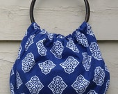 Shabby chic blue bag with wooden handles, everyday bag, fall fashion or as Christmas gift