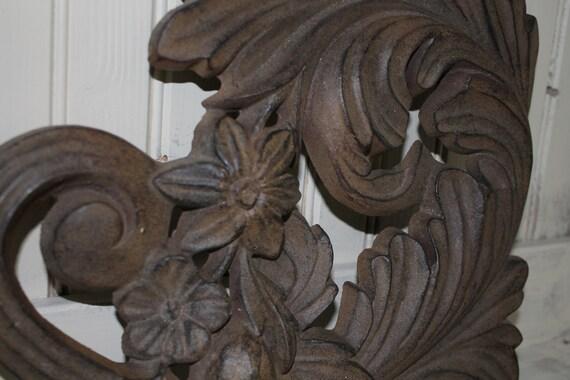 GARDEN ACCENT Heavy Cast Iron Art Deco