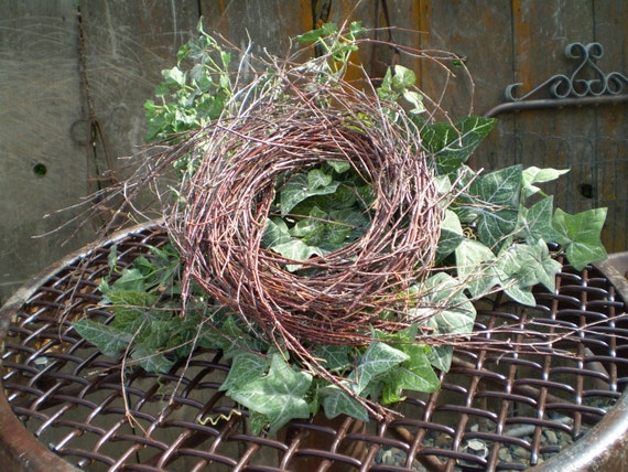 GO GREEN Weeping Birch Wreath Ready to Decorate Inside or Outside Decor DIY Project