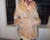 Vintage coat with wide fluffy furry collar from the 70s