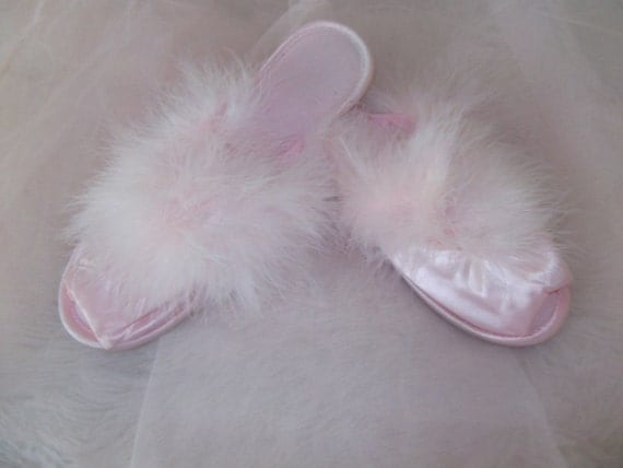 Sexy Glamour Skuffs vintage slippers in fluffy pink, very feminine, medium size 6 1/2 to 7 1/2