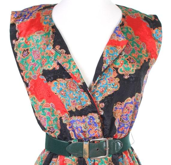 Paisley brocade sleeveless vintage shirtwaist dress with green belt Small / Medium
