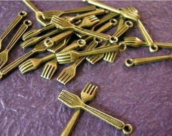 12pc antique bronze metal fork charms-1668
