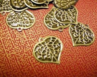 30pc antique bronze metal leaf charm-3873