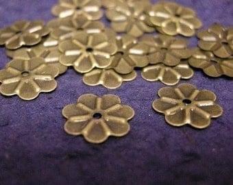 100pc antique bronze 9mm metal flower shape bead-1308